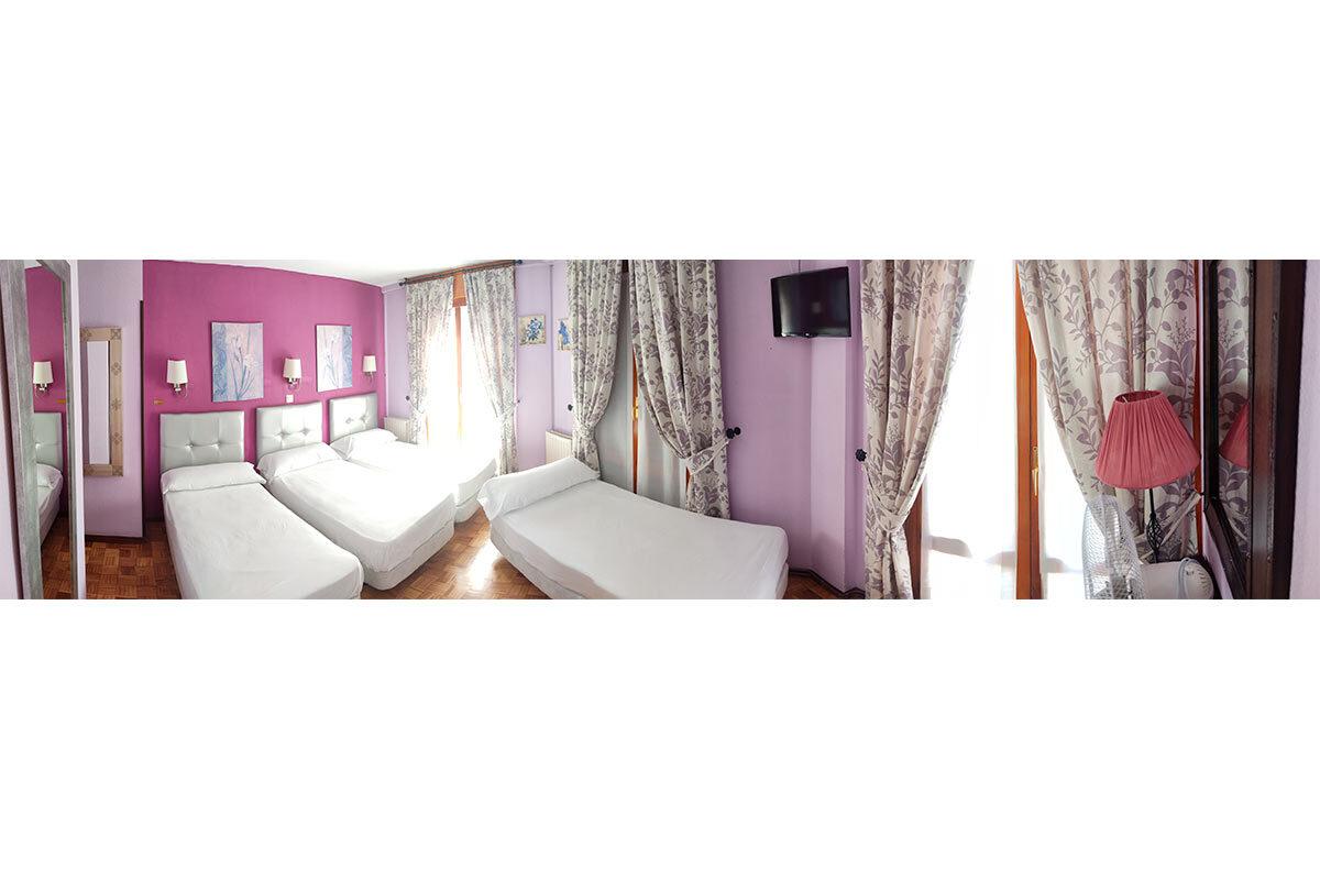 Habitación cuádruple Hostal Docar 3 personas